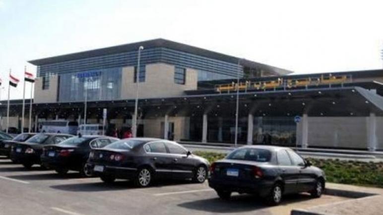 التحقيق مع راكب هدد باقتحام طائرة قادمة من السعودية